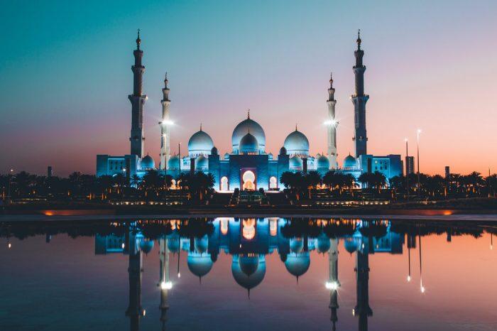 Екскурзия Дубай и Абу Даби – сафари, круиз, тематични вечери