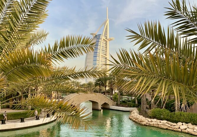 Екскурзия Дубай – круиз, сафари, тематични вечери включени в цената