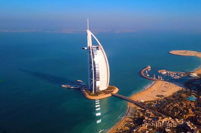 Екскурзия Дубай – круиз, сафари, тематични вечери в цената